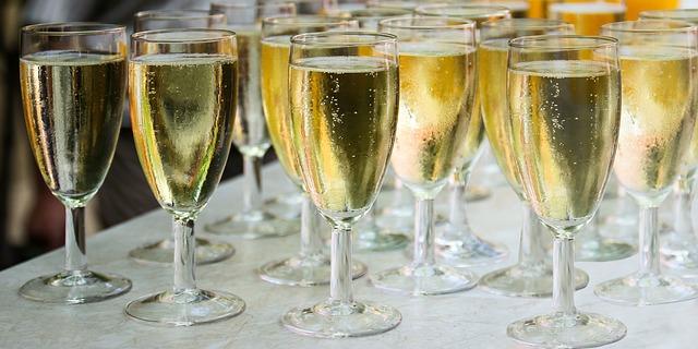 Champagner-richtig-trinken