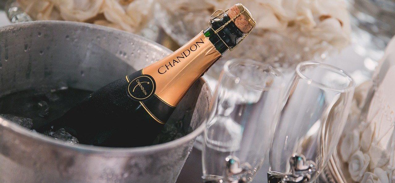 Non-Vintage-Champagner-Alter-erkennen