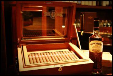 Zigarre-und-Getränk